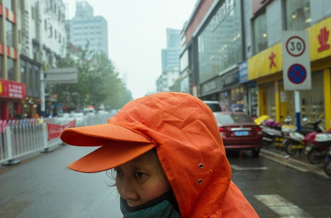 china-perfectly-timed-street-photography-tao-liu-10
