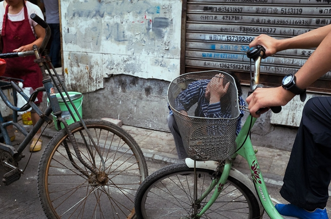 china-perfectly-timed-street-photography-tao-liu-21