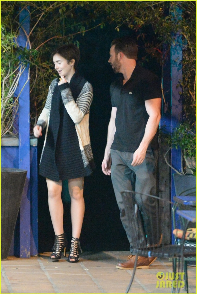 chris-evans-lily-collins-enjoy-romantic-dinner-01
