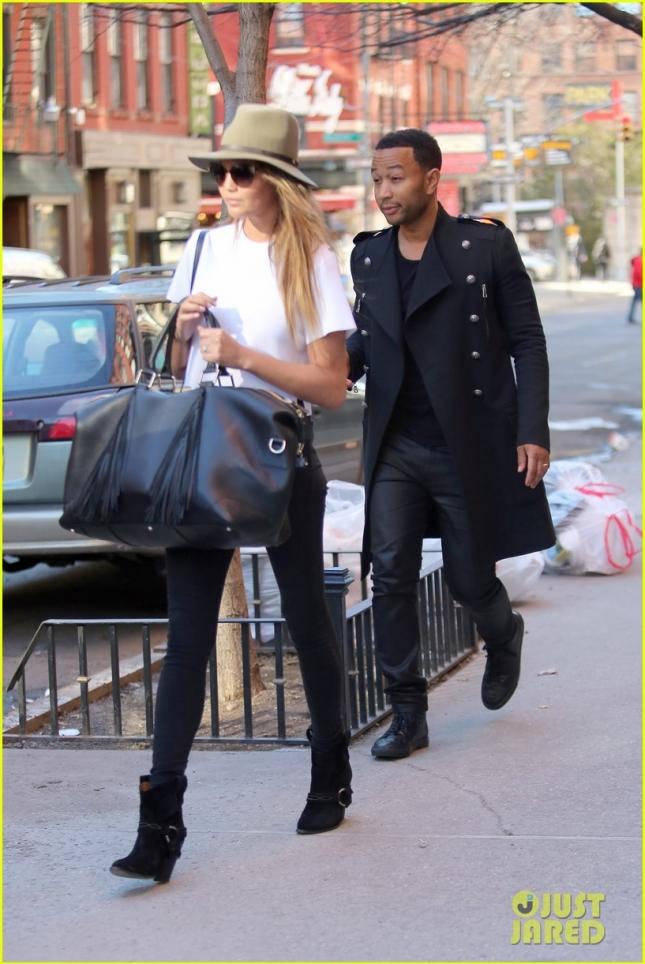 Крисси Тейген вместе с мужем Джоном Леджендом сходила на шоппинг в Rag & Bone