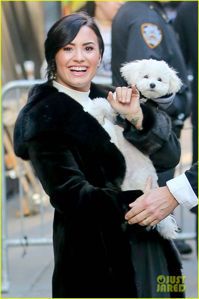 Demi Lovato takes her dog to the set of Good Morning America