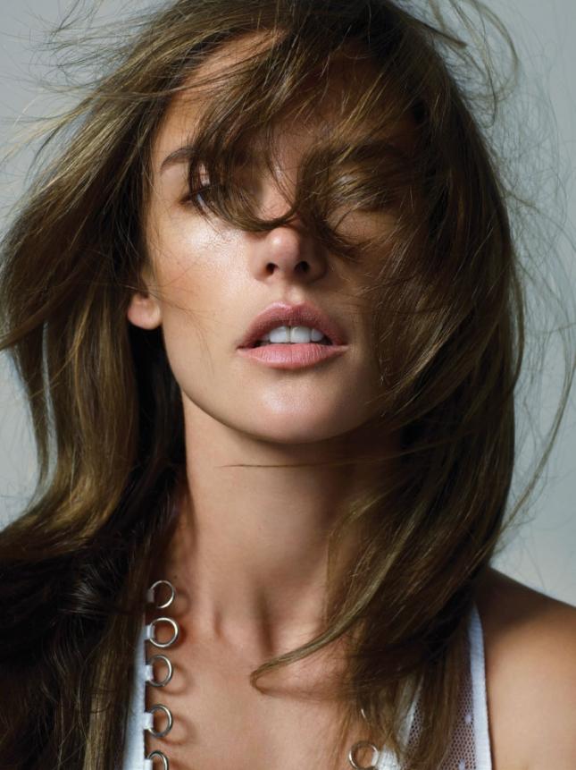 Алессандра Амбросио в фотосессии для Vogue Турция