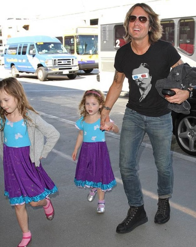 Кит Урбан с дочками