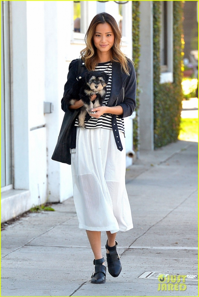 jamie-chung-adopted-puppy-ewok-adorable-05