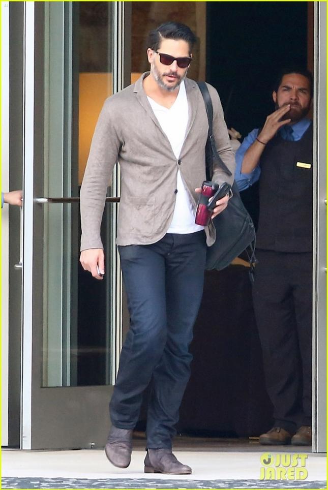 Джо Манганьелло после деловой встречи в Санта-Монике