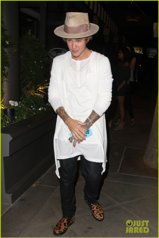 Justin Bieber seen leaving The Grafton on Sunset bar in West Hollywood