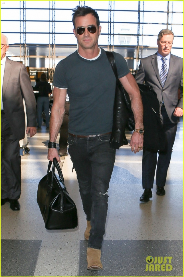 Justin Theroux Departing On A Flight At LAX