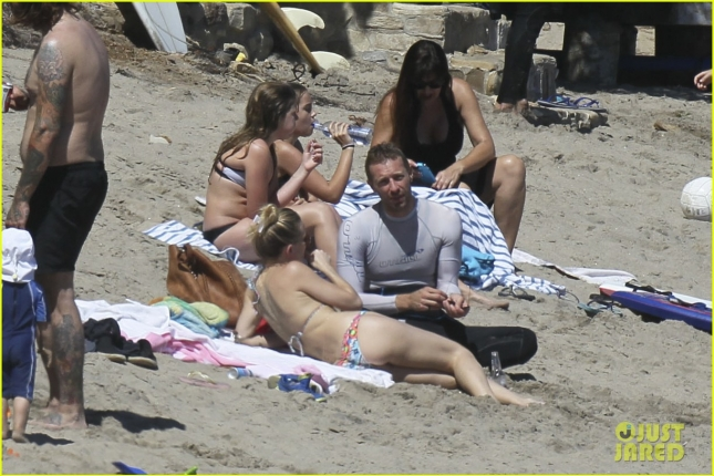 *KIDS NOT PICTURED* Single Parents Chris Martin and Kate Hudson enjoy the sun in Malibu