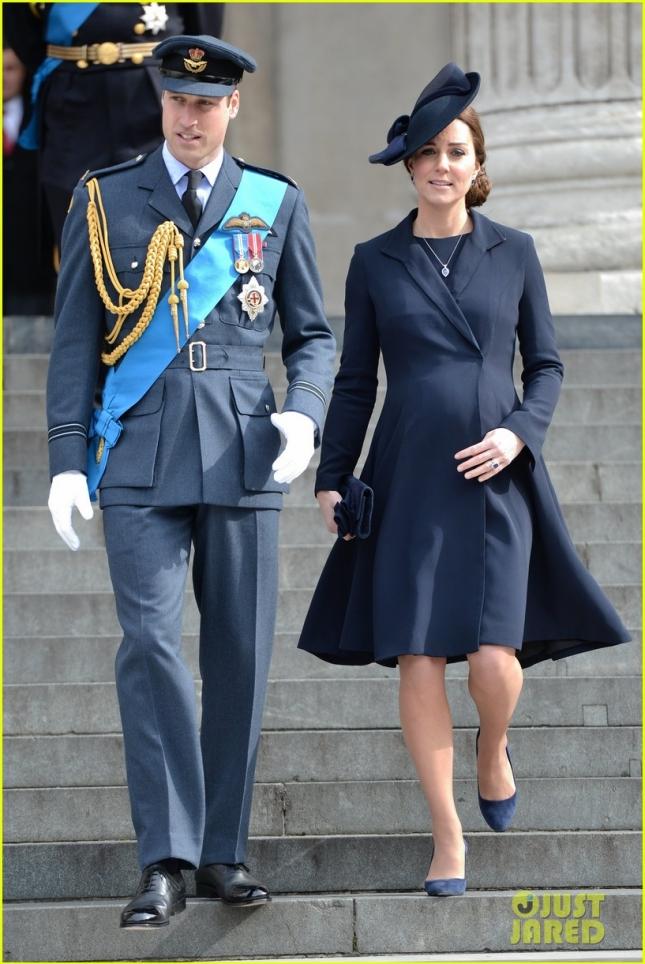 Герцогиня Кембриджская и её муж принц Уильям посетили панихиду по воинам, погибшим в Афганистане