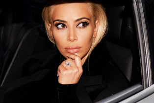 kim-kardashian-debuts-blonde-hair-19