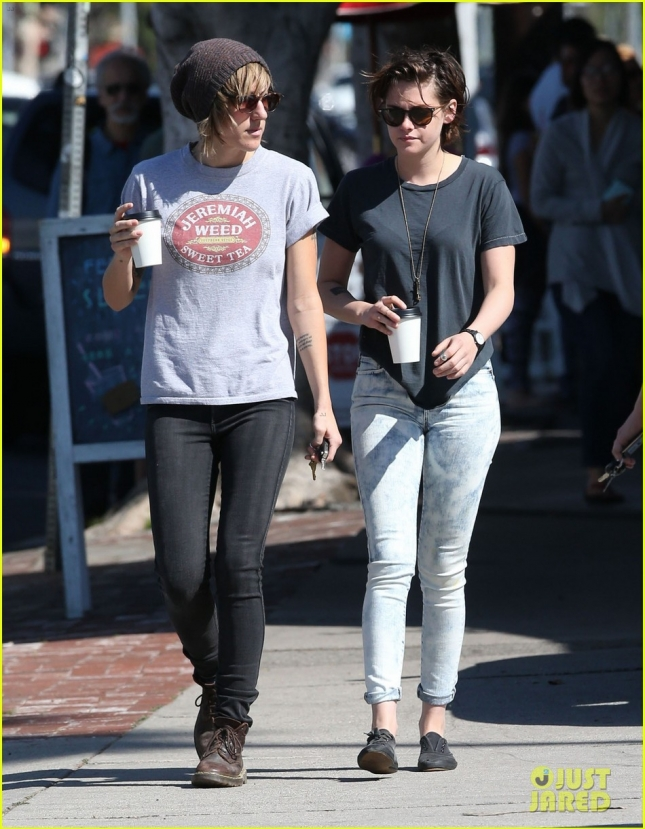 kristen-stewart-alicia-cargile-spotted-first-time-since-february-05