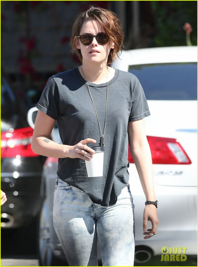 kristen-stewart-alicia-cargile-spotted-first-time-since-february-12