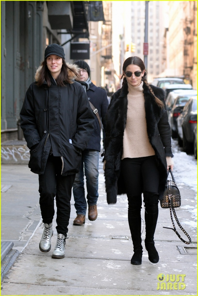 lily-aldridge-ruby-catch-up-over-lunch-05