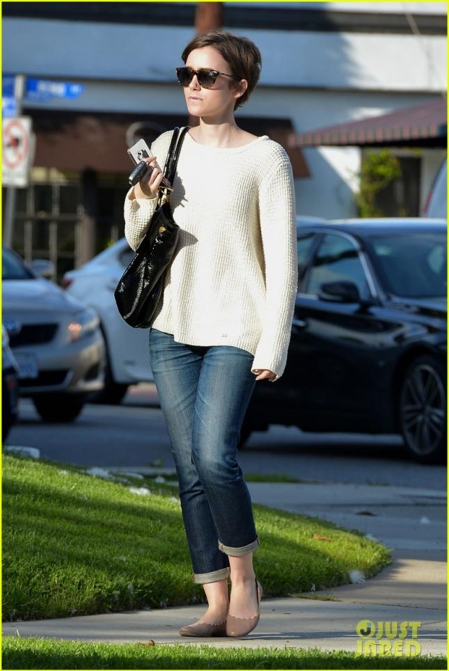Лили Коллинз в Западном Голливуде