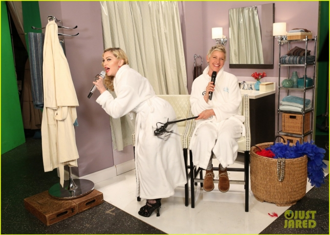 madonna-ellen-degeneres-dress-you-up-bathroom-03