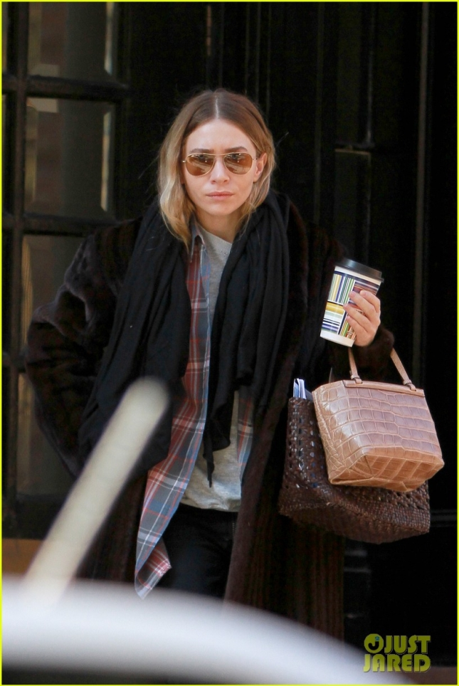 mary-kate-ashley-olsens-madison-ave-store-begins-work-in-may-02