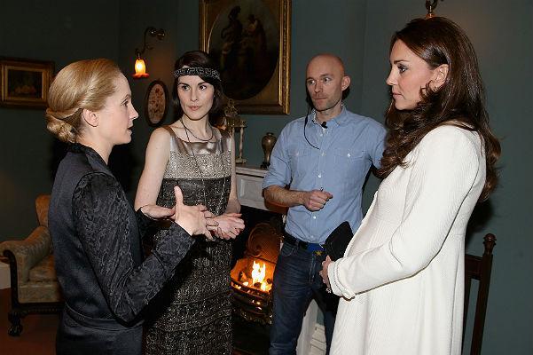 """Герцогиня Кэтрин на съемках """"Аббатства Даунтон"""""""