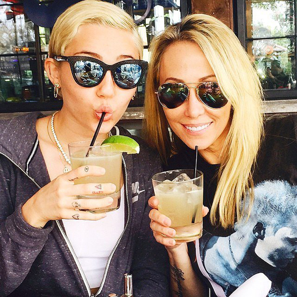 Miley-Cyrus-celebrated-start-week-her-mom