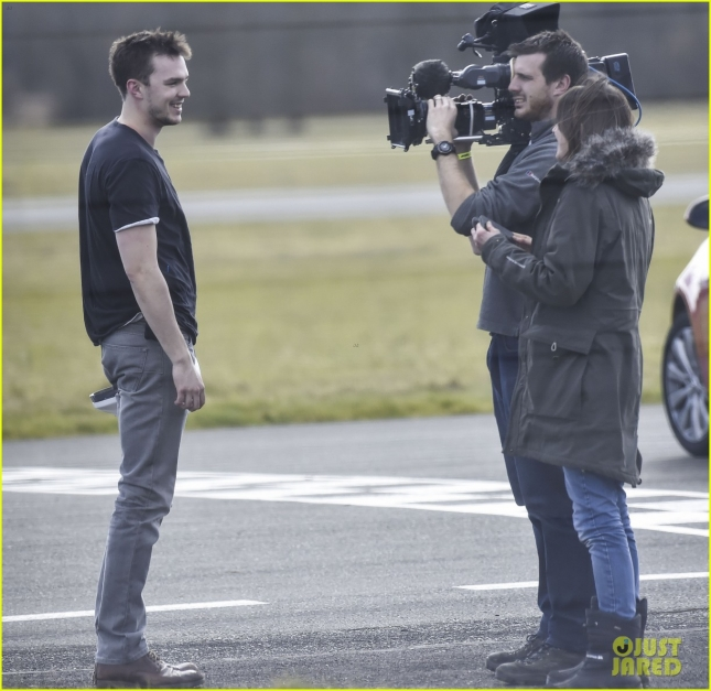 nicholas-hoult-need-for-speed-on-top-gear-05