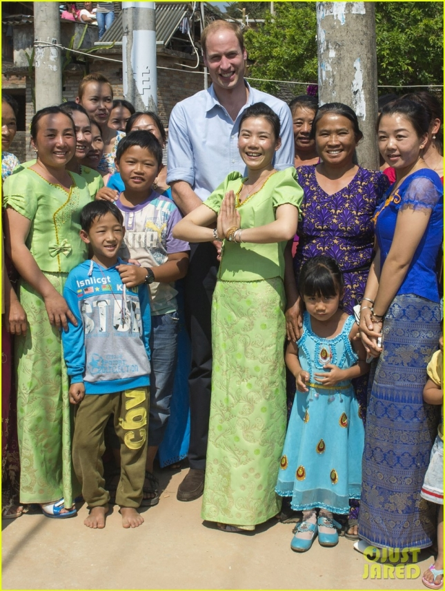The Duke of Cambridge meets the Dai people of Mengman