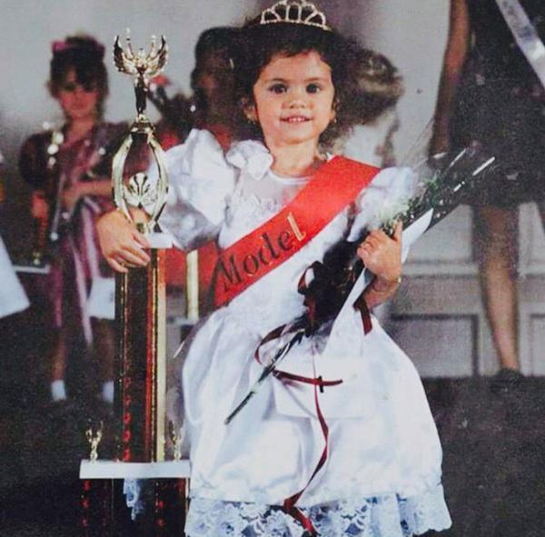 Селена Гомес и ее награды
