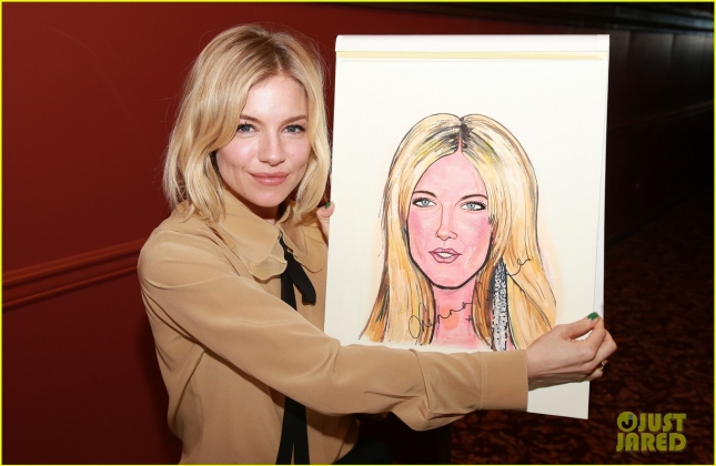 sienna-miller-caricature-unveilling-in-nyc-27