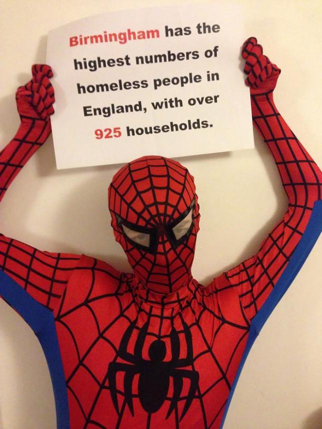 В Бирмингеме больше всего бездомных, чем в других городах Англии. Более чем 925 мини-домохозяйств, в которых пытаются выживать люди.