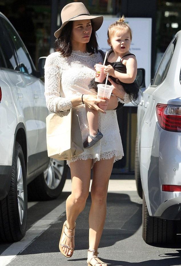 Дженна Деван-Татум с дочкой
