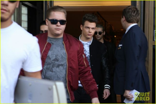 Tokio Hotel outside Ritz Carlton hotel