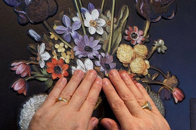 """Хуана ван дер Хамен, """"Натюрморт с артишоками цветами и стеклянными сосудами""""."""