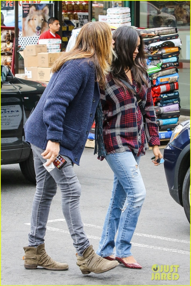 Zoe Saldana and Marco Perego let their hair down for lunch