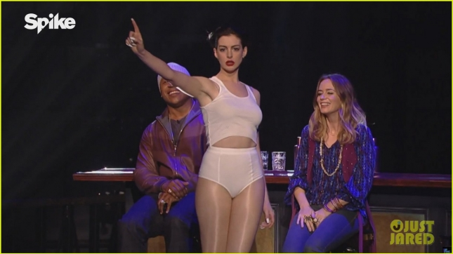 anne-hathaway-rides-miley-cyrus-wrecking-ball-for-lip-sync-battle-05