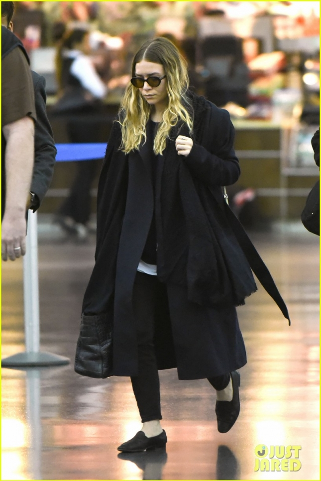 ashley-olsen-steps-out-after-full-house-revival-news-01
