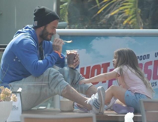Дэвид Бекхэм с дочкой