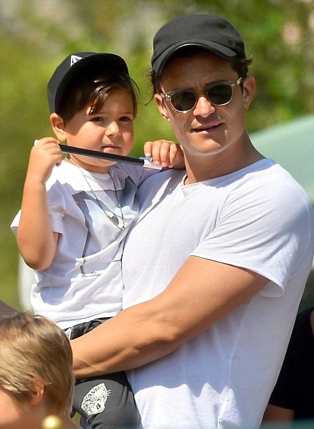 Орландо Блум с сыном