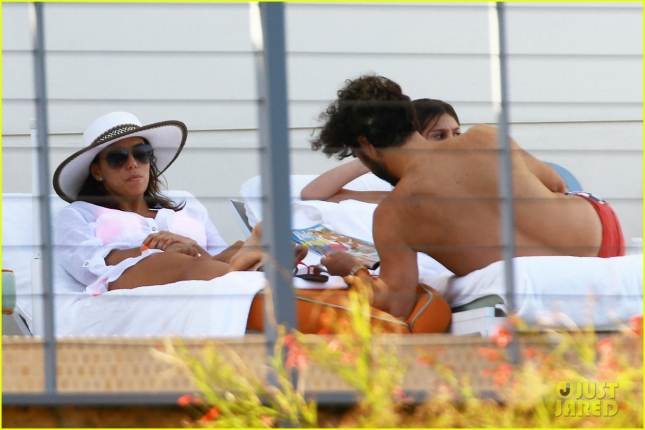 eva-longoria-miami-vacation-with-boyfriend-f