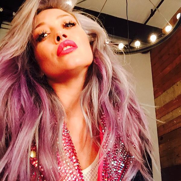 hilary-duff-pink-hair