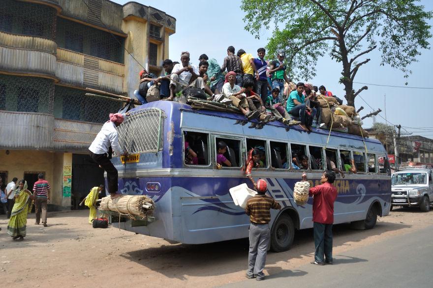 Жуткое ДТП в Гане: в результате столкновения автобуса с фурой погиб 71 человек - Цензор.НЕТ 7380