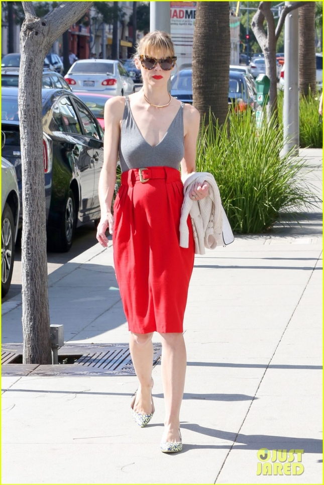 jaime-king-message-to-fans-05