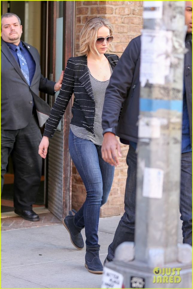 jennifer-lawrence-out-in-nyc-01