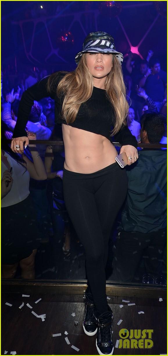 Дженнифер на танцполе