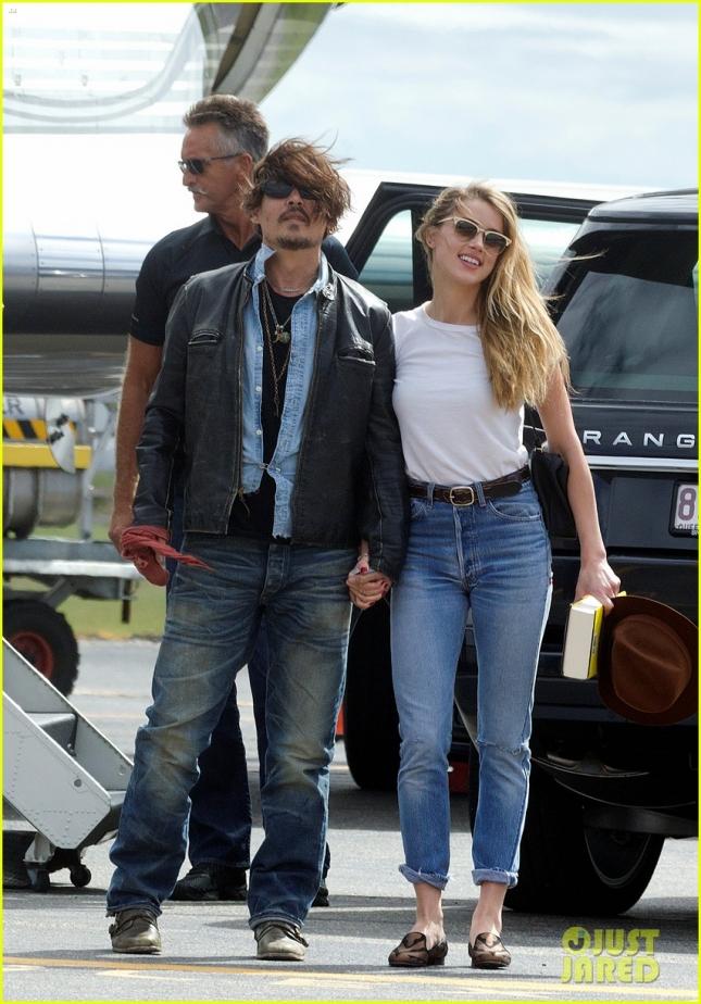"""Джонни Депп и его супруга Эмбер Хёрд частным рейсом прилетели в Австралию, чтобы актёр наконец-то смог закончить съемки в пятой части """"Пиратов Карибского моря"""""""