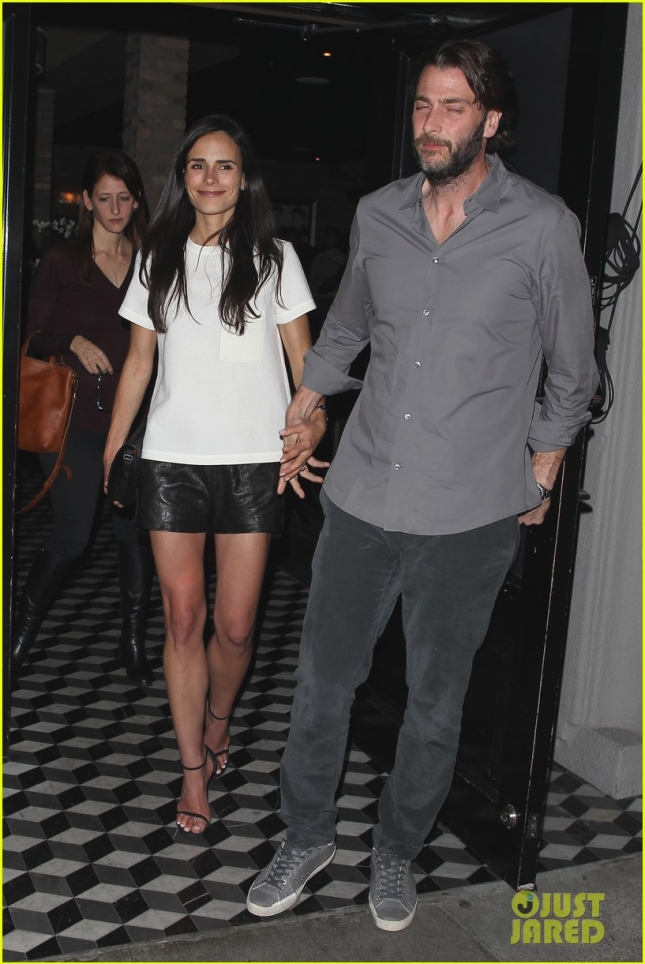 'Furious 7' star Jordana Brewster has a celebratory dinner at Craig's