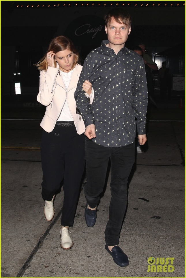 kate-mara-cousin-john-make-it-family-affair-at-craigs-18