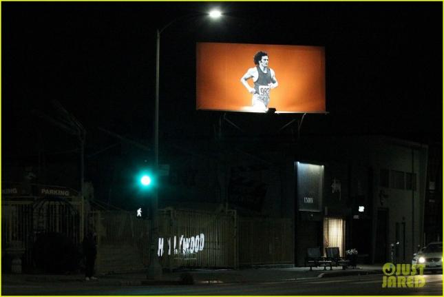Билборд с изображением Брюса Дженнера