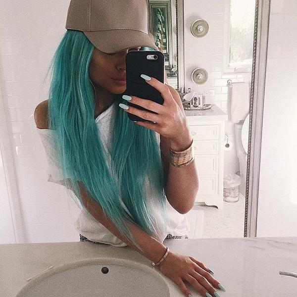 Kylie-Jenner-Blue-Hair-Spring-2015