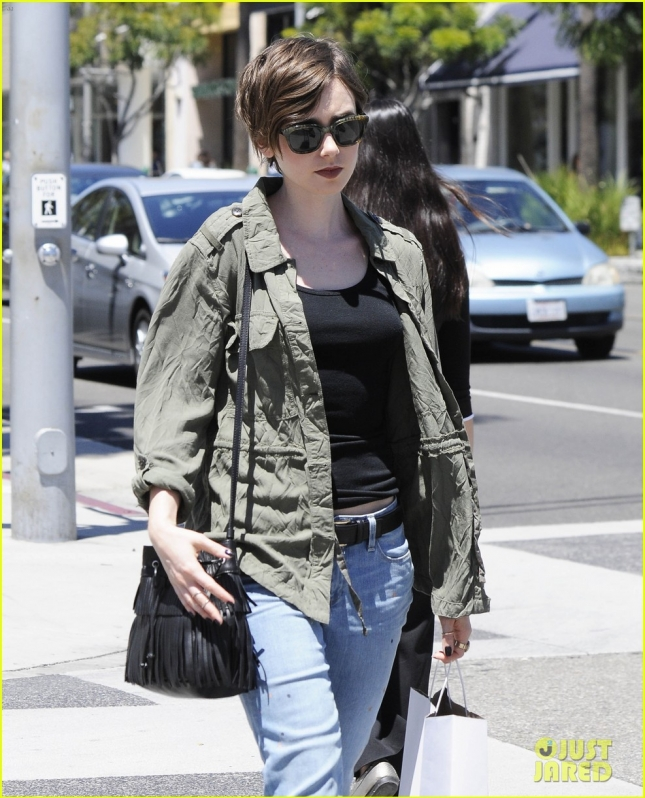 lily-collins-wants-to-plant-more-seeds-of-love-04
