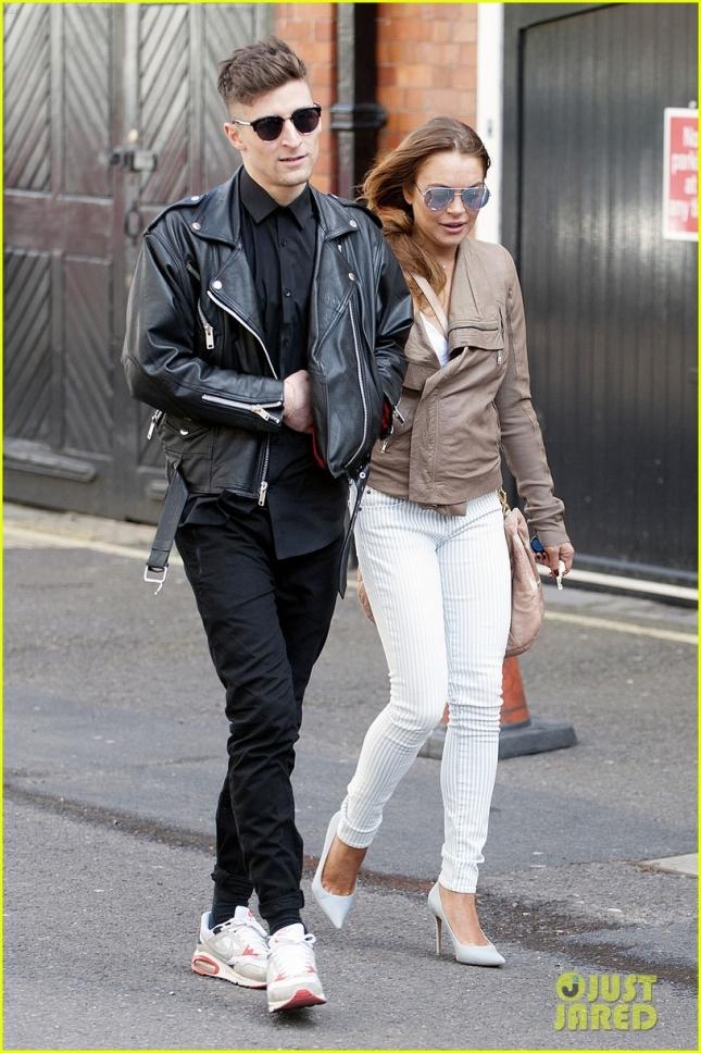 Линдси Лохан пообедала с парнем-приятелем в Лондоне