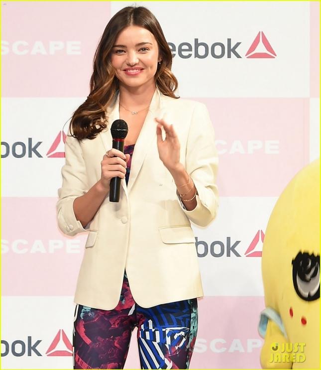 Миранда Керр на пресс-конференции в Токио