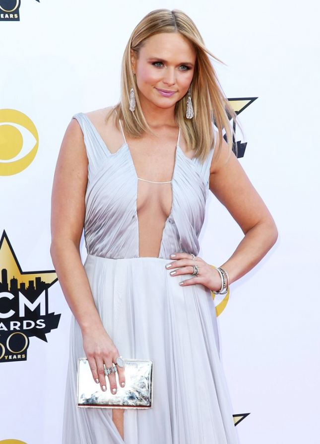 miranda-lambert-50th-academy-of-country-music-awards-01